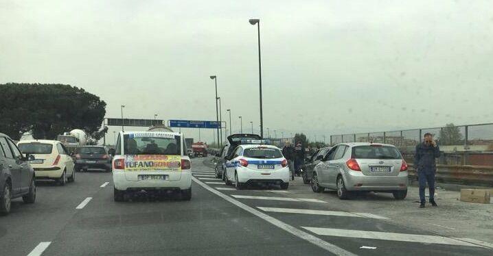 Maxi-tamponamento sull'Asse Mediano, traffico paralizzato