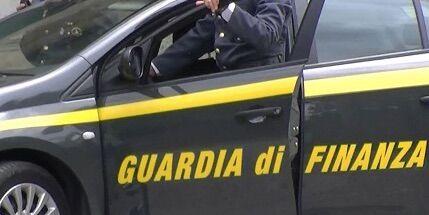 """Frode carosello: la guardia di finanza scopre una maxi evasione fiscale attraverso 4 società """"fantasma"""""""