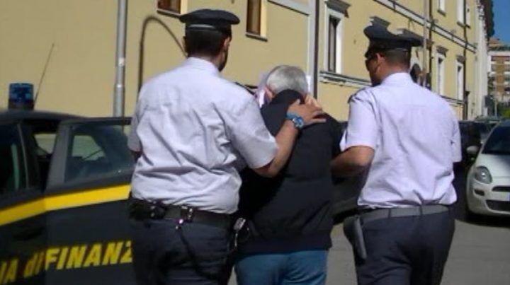 Corruzione, cinque arresti a Caserta: coinvolti un imprenditore e quattro ufficiali delle#39;esercito