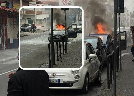 Paura a Frattamaggiore, in fiamme un'auto