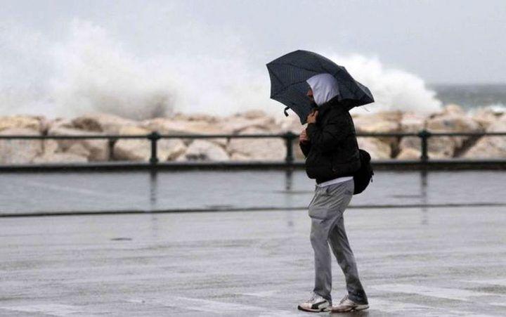 Scatta una nuova allerta meteo, previste raffiche di temporali. Ecco da quando