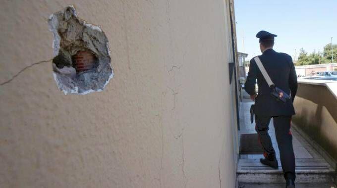 Raffiche di mitra contro i carabinieri, è la vendetta del boss latitante