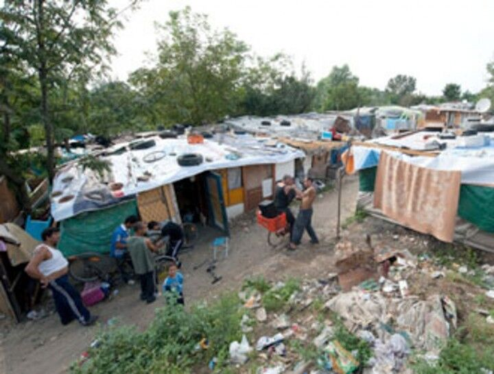 Perquisizioni al campo rom di Giugliano. Trovate delle armi
