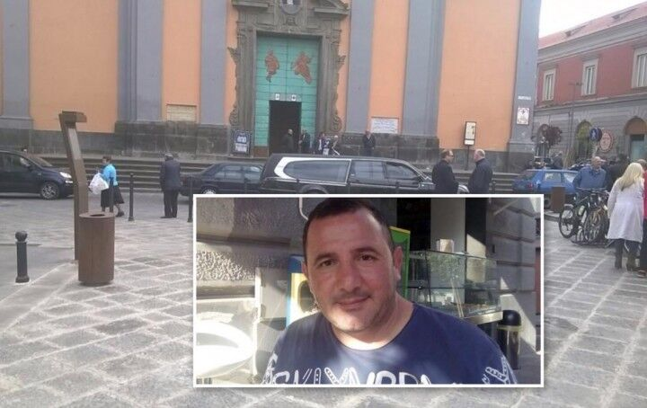 """Giugliano, l'ultimo saluto a Pasquale Caterino. Don Luigi Ronca: """"Dio lo prenda tra le sue braccia"""""""