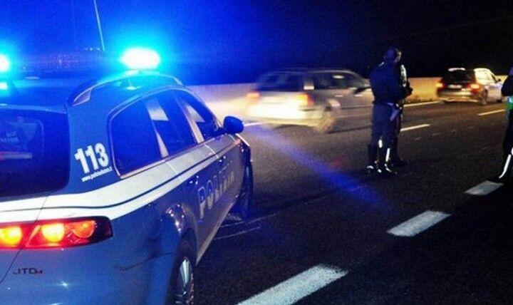 Follia sulla circumvallazione, sparatoria tra polizia e banda di malviventi