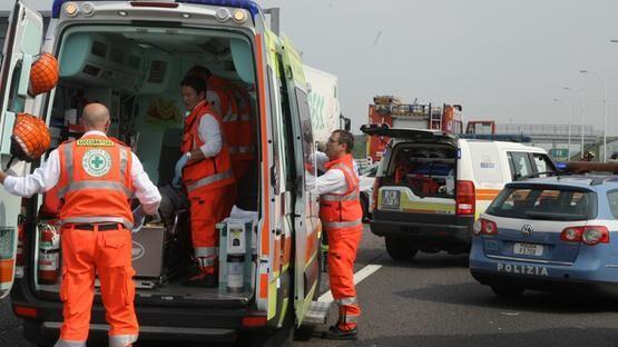 Incidente in autostrada, muore avvocato della provincia di Napoli