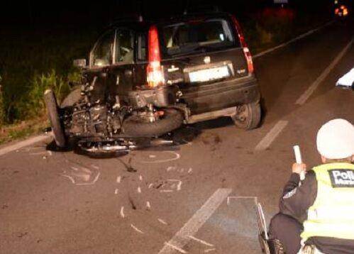 Terribile incidente stradale a Pozzuoli: muore centauro, grave l'amico