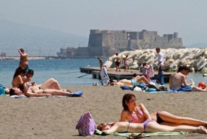 Napoli e provincia, in arrivo sole e caldo record da 30 gradi. Ecco quando