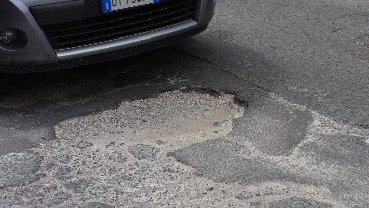 Marano, per le buche stradali decine di richieste di risarcimento