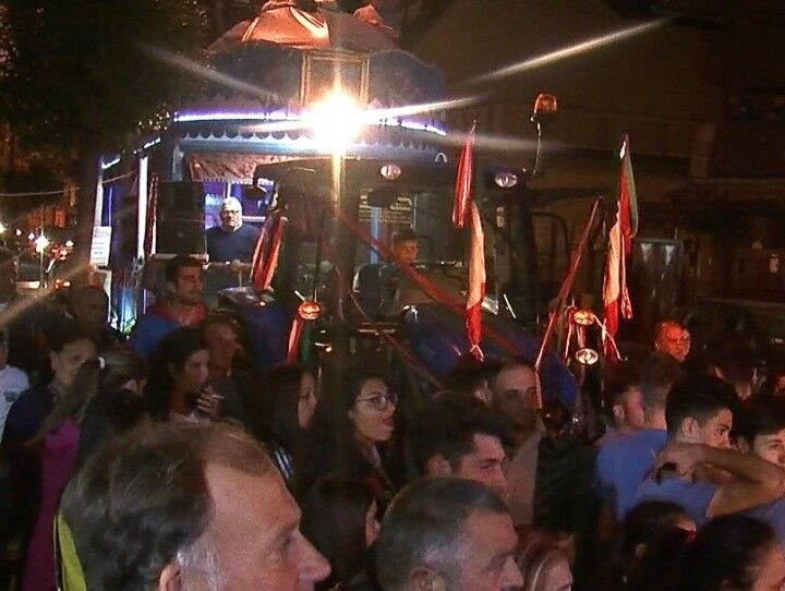 Tammurriata giuglianese, festa di chiusura in via primo maggio