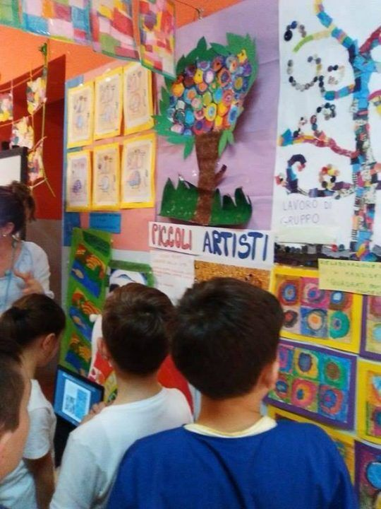 """Mugnano. """"Un tuffo nell'arte"""", fino a domani la mostra realizzata dai bambini della Siani"""