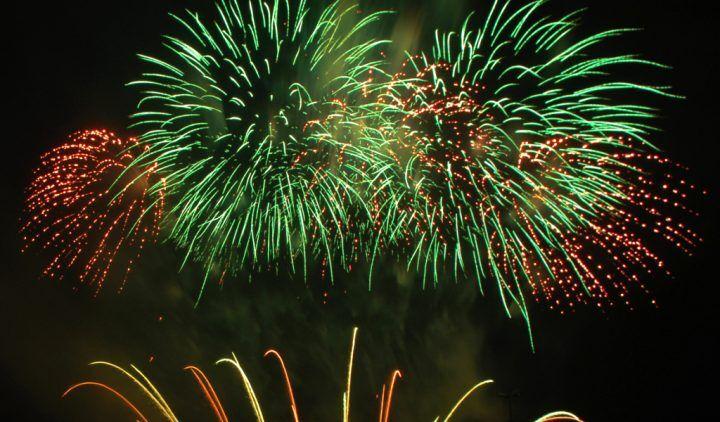 Musica alta e fuochi d'artificio, altra notte insonne sulla fascia costiera