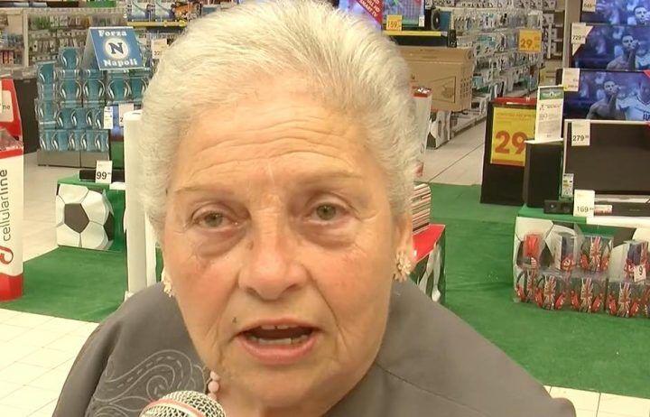 Compleanno Auchan, la signora Lucia: dieci anni fa la prima cliente del Parco Commerciale