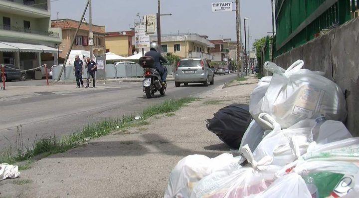 Via Mugnano-Giugliano, sulla strada di confine regna il degrado