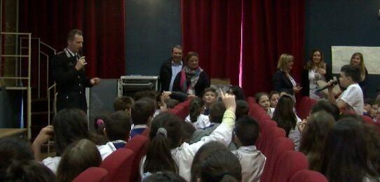 Giugliano, cyberbullismo: gli alunni del primo circolo incontrano il capitano Antonio De Lise