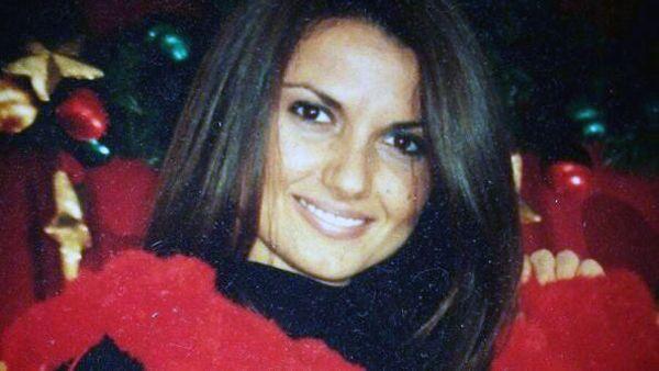 Bruciata viva dall'ex, Carla sta per lasciare l'ospedale e riabbracciare Giulia Pia