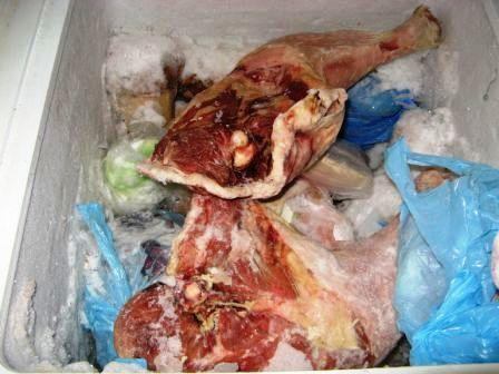 Alimenti fuorilegge a Sant'Antimo: maxisequestro in un supermercato