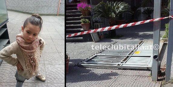 Tragedia nel Napoletano, bimba muore schiacciata da un cancello