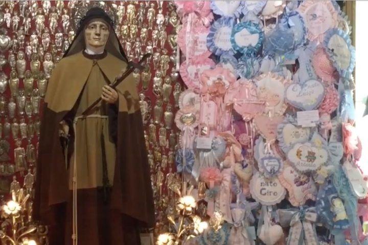 Napoli senza mare e la sedia di santa Maria Francesca