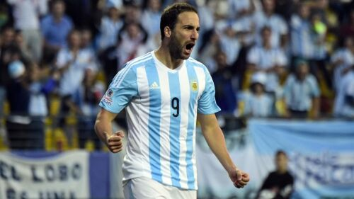 Higuain inarrestabile, golazo con l'Argentina. GUARDA IL VIDEO
