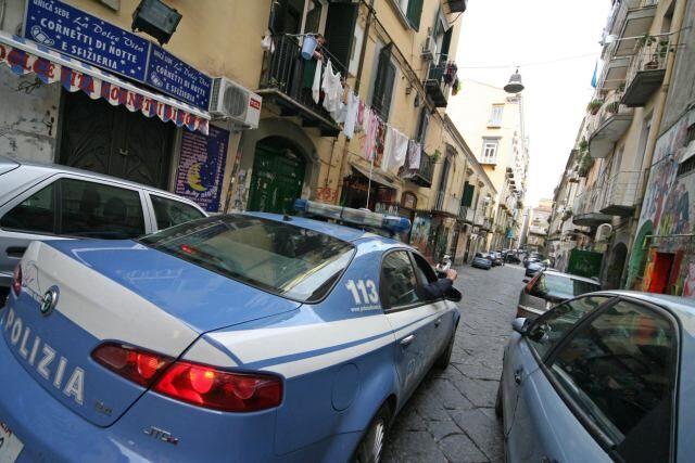 Napoli, fugge dai domiciliari: pregiudicata trovata in un albergo
