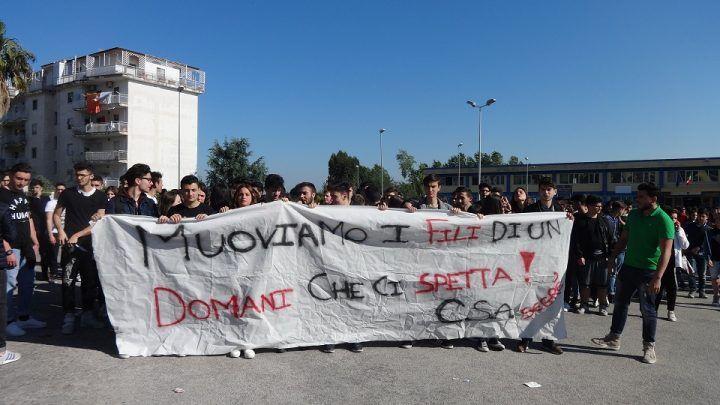 Marano. Studenti del Segrè in piazza contro l'amministrazione