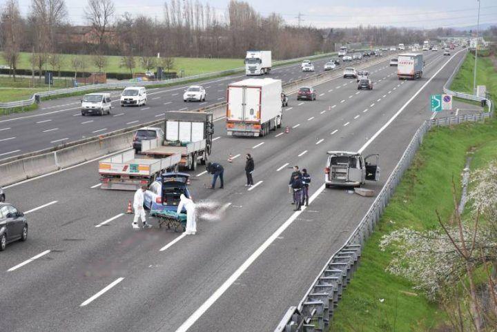 Schianto sull'A1, un morto e due feriti. 4 chilometri di coda