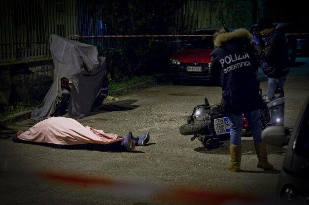 Napoli: muore Ivan Maietta ucciso in agguato in via Catone, quartiere Soccavo