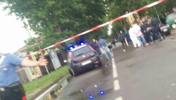 Far west a Casalnuovo, tentano di rapinare un tabaccaio e lo feriscono a colpi di pistola