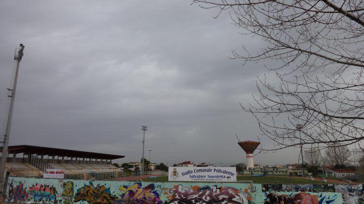 Marano. Stadio comunale, ampliamento pista atletica e spalti: lavori spostati al 2018