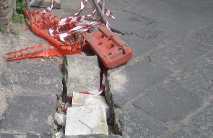 Giugliano, crollo in via Mattia Coppola: di nuovo strada chiusa