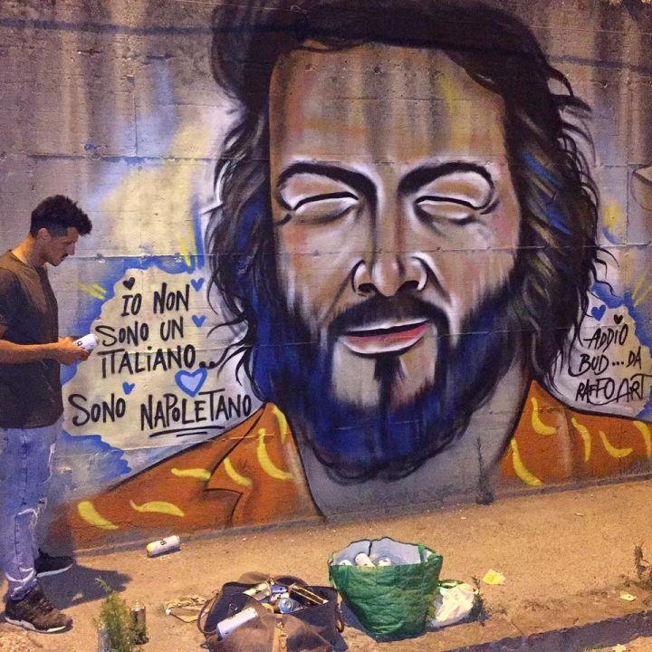 """""""Ciao Bud"""", Napoli omaggia così il 'suo' gigante buono"""
