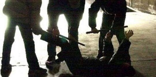 Violenta aggressione a Napoli : due persone colpite con mazze da baseball