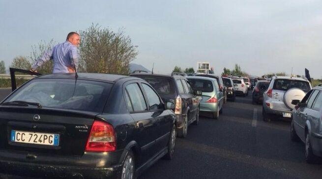 Maxi-tamponamento sull'Asse Mediano, traffico in tilt