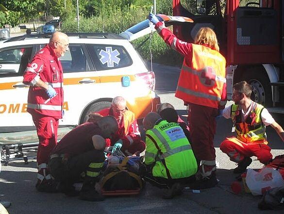 Provincia, bimbo di 7 anni cade dalla bici: è in coma. L'intera città prega per lui