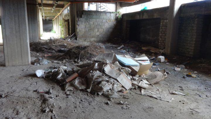 Marano, istituto Levi: aule con vista su discarica. E in vent'anni nessuna bonifica