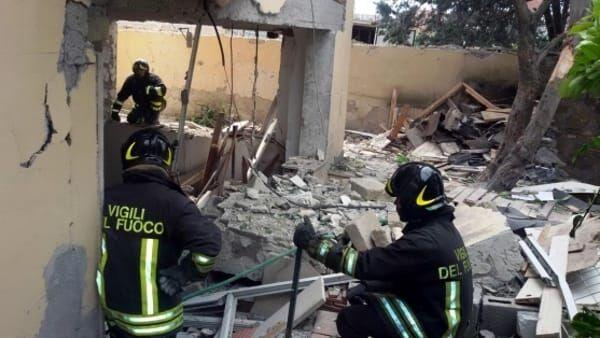 Esplode bombola di gas in provincia, un morto e tre feriti
