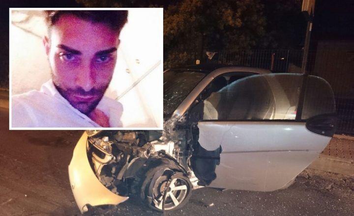 Scontro frontale tra auto, 25enne muore a bordo della sua Smart
