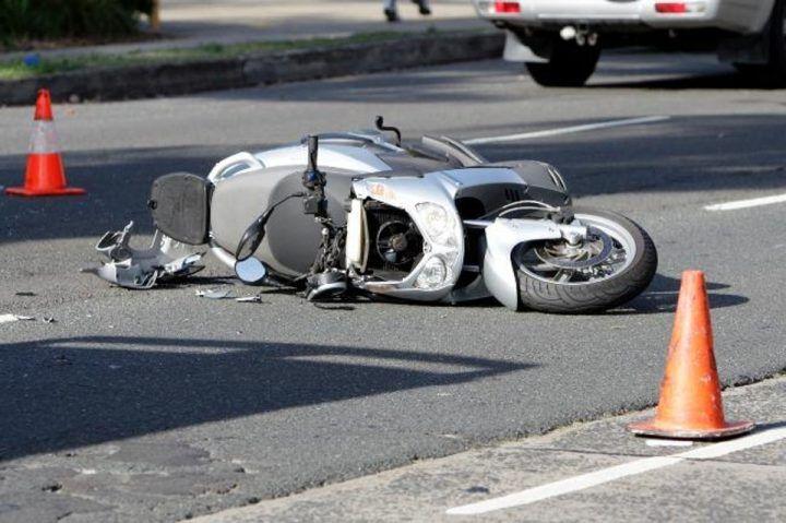 Tragico scontro moto contro trattore: morto un uomo