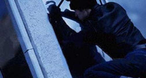 In auto con arnesi per lo scasso, fermate 3 persone residenti a Giugliano