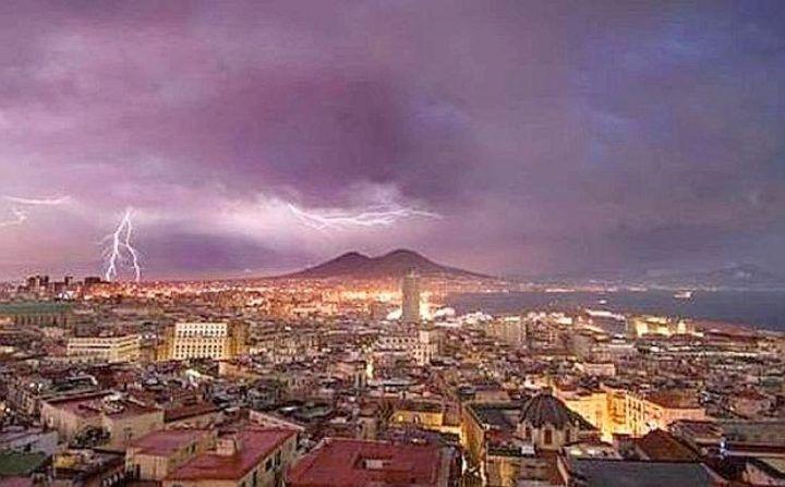 Napoli, allerta meteo. In arrivo nuovi temporali: ecco da quando