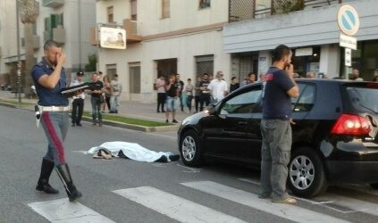 Tragedia a Napoli, 19enne travolge e uccide una donna sulle strisce pedonali