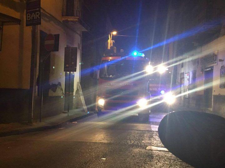 Giugliano, paura in via Licante: incendio in un appartamento