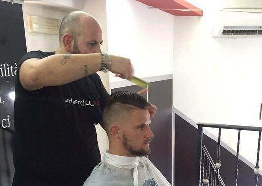 Nikita Contini a Giugliano, un ritocco al look prima di partire per Dimaro