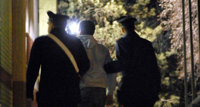 Marano, picchia i genitori settantenni per comprare la droga. Arrestato