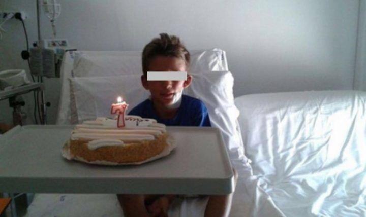 Bambino salvato dall'incidente ferroviario, festeggia il compleanno in ospedale