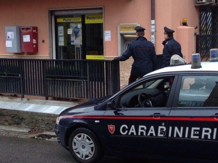 Melito, rapina alle poste. Malviventi in fuga con 4mila euro
