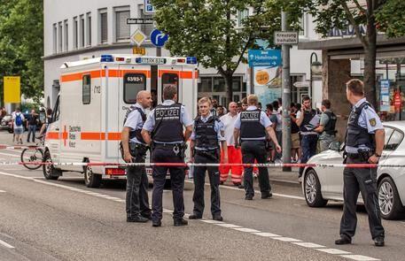 Germania, ancora terrore: esplode una bomba in un ristorante