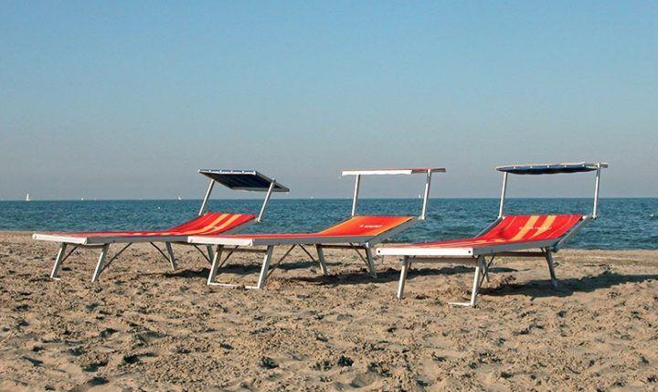 Prezzi pazzi per prendere il sole, ecco in Italia dove costa di più