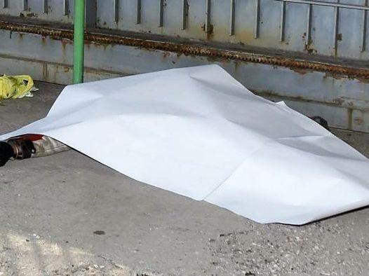Tragedia in provincia, giovane operaio cade da impalcatura e muore
